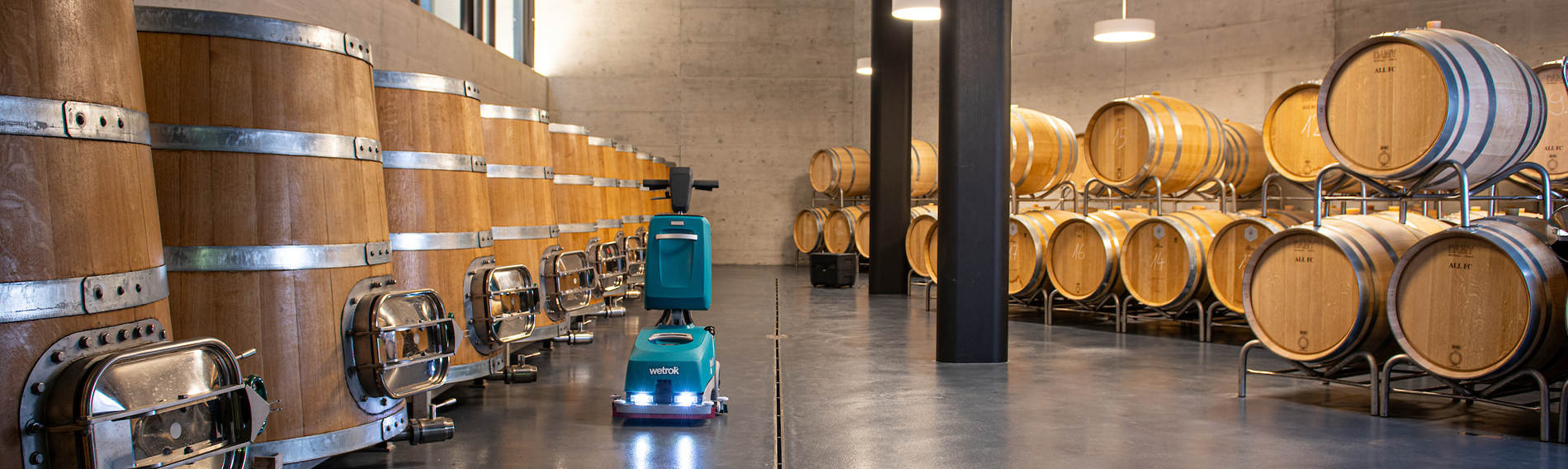 Winemaker tests new scrubber-dryer